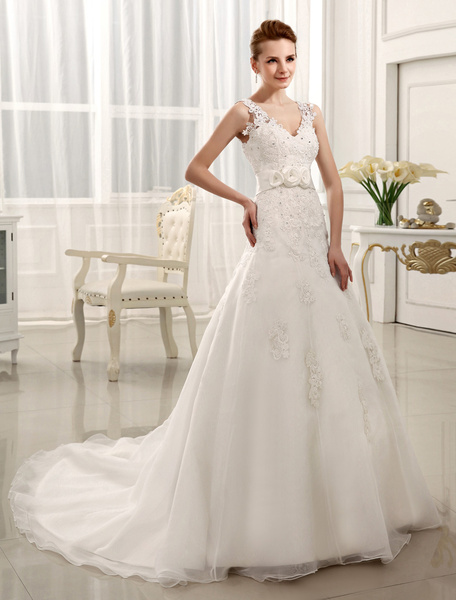 Milanoo A-line Chapel Train Flower Ivory Brides Tulle Wedding Dress with V-Neck