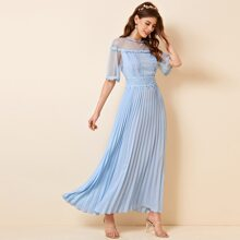 Kleid mit Punkten, Netzstoff, Guipure Spitzen, Panel, Falten und Saum