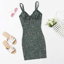 Cami Kleid mit Bluemchen Muster, Ruesche und Schlitz