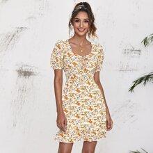 Kleid mit Band vorn und Blumen Muster