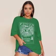 T-Shirt mit Sonne & Buchstaben Grafik und sehr tief angesetzter Schulterpartie