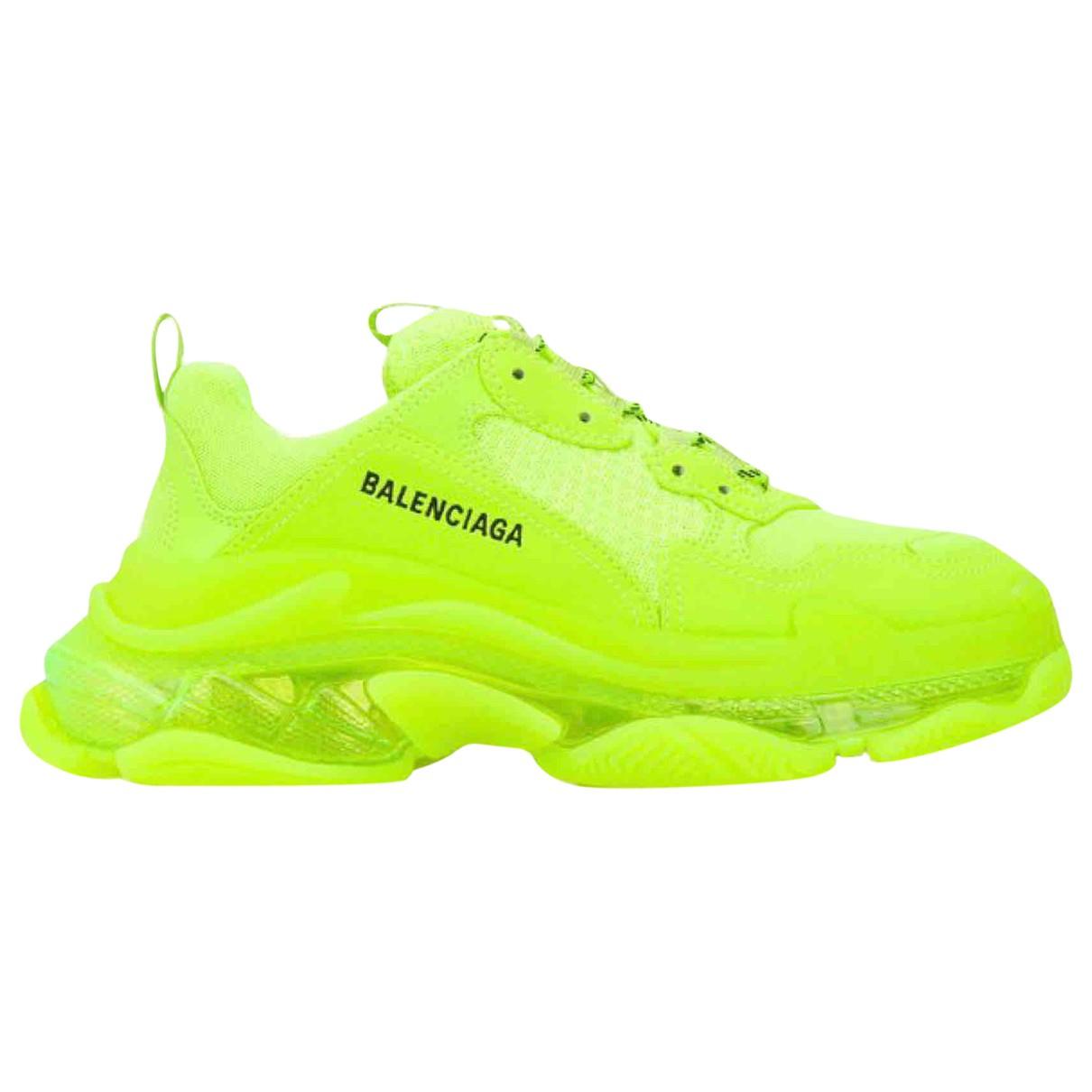 Balenciaga - Baskets Triple S pour femme en cuir - jaune