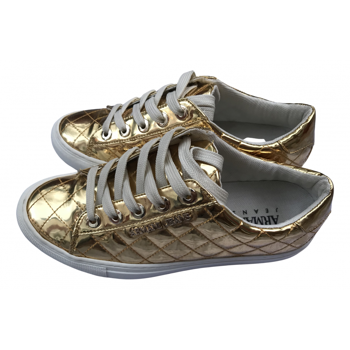 Emporio Armani \N Sneakers in  Gold Lackleder