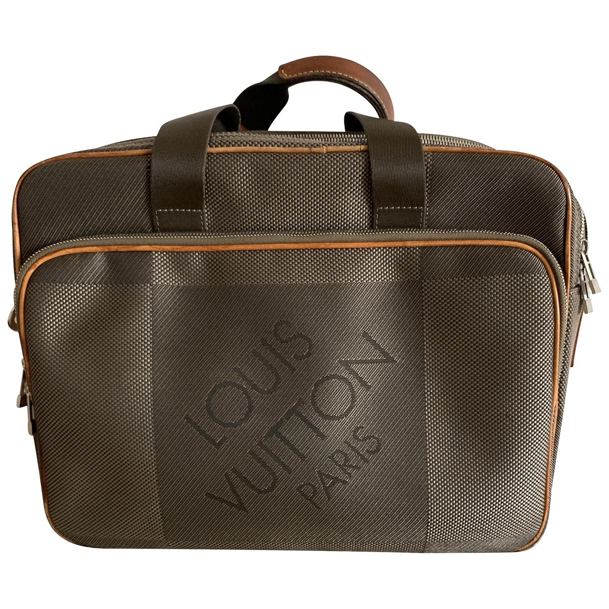 Louis Vuitton \N Taschen in  Braun Leinen