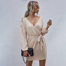 Kleid mit Laternenaermeln, Wickel Design und Guertel