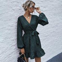 Kleid mit Punkten Muster, V-Ausschnitt, Rueschenbesatz und Guertel