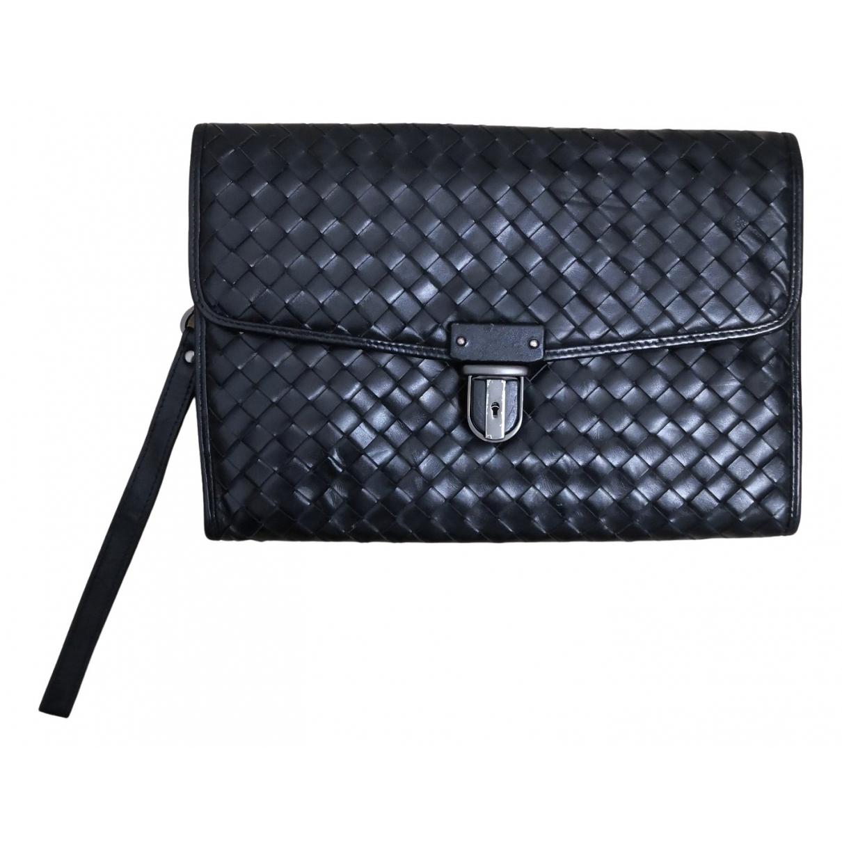 Bottega Veneta N Black Leather Clutch bag for Women N
