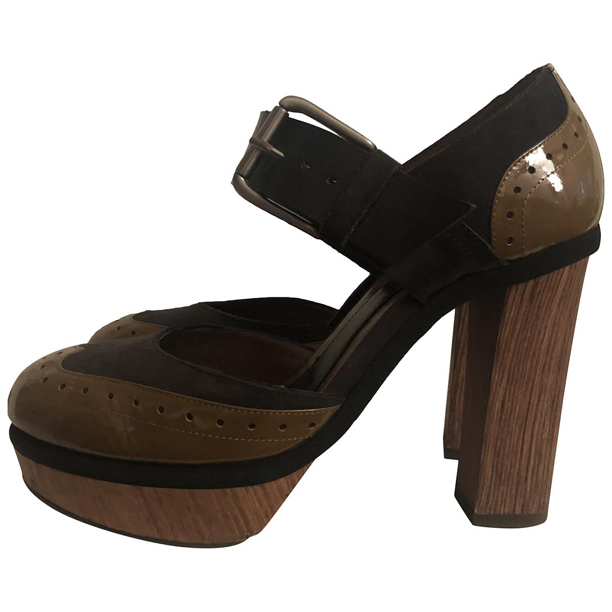 Marni \N Sandalen in  Beige Lackleder