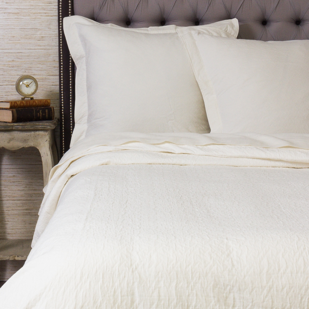 Baily Ivory Cotton Matlesse Quilt (King)