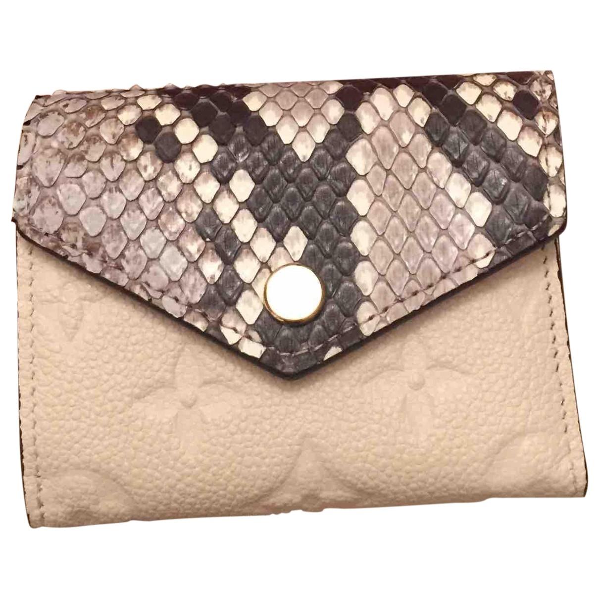 Louis Vuitton Victorine Portemonnaie in  Beige Python