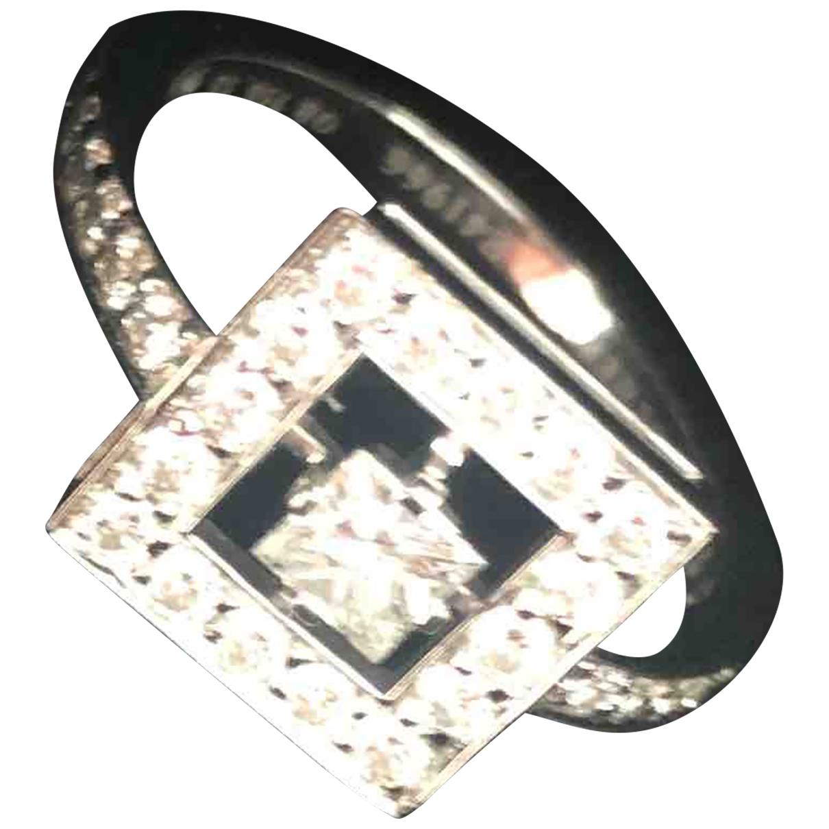 Boucheron Ava Ring in  Silber Weissgold