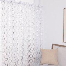 Vorhang mit geometrischem Muster