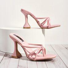 Sandalen mit Zehenpfosten