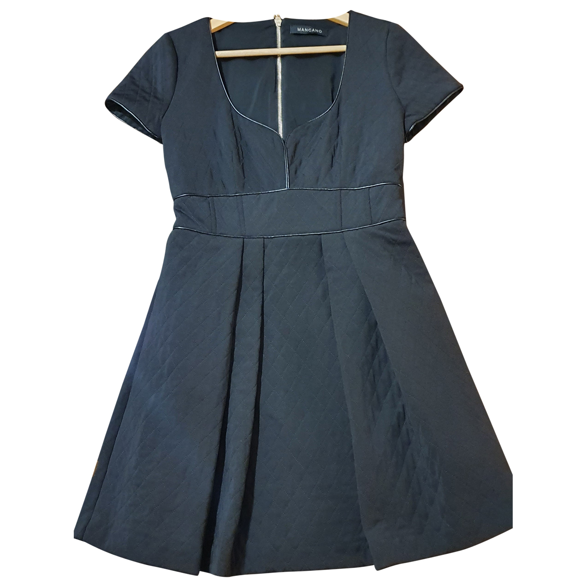Mangano \N Kleid in  Schwarz Viskose
