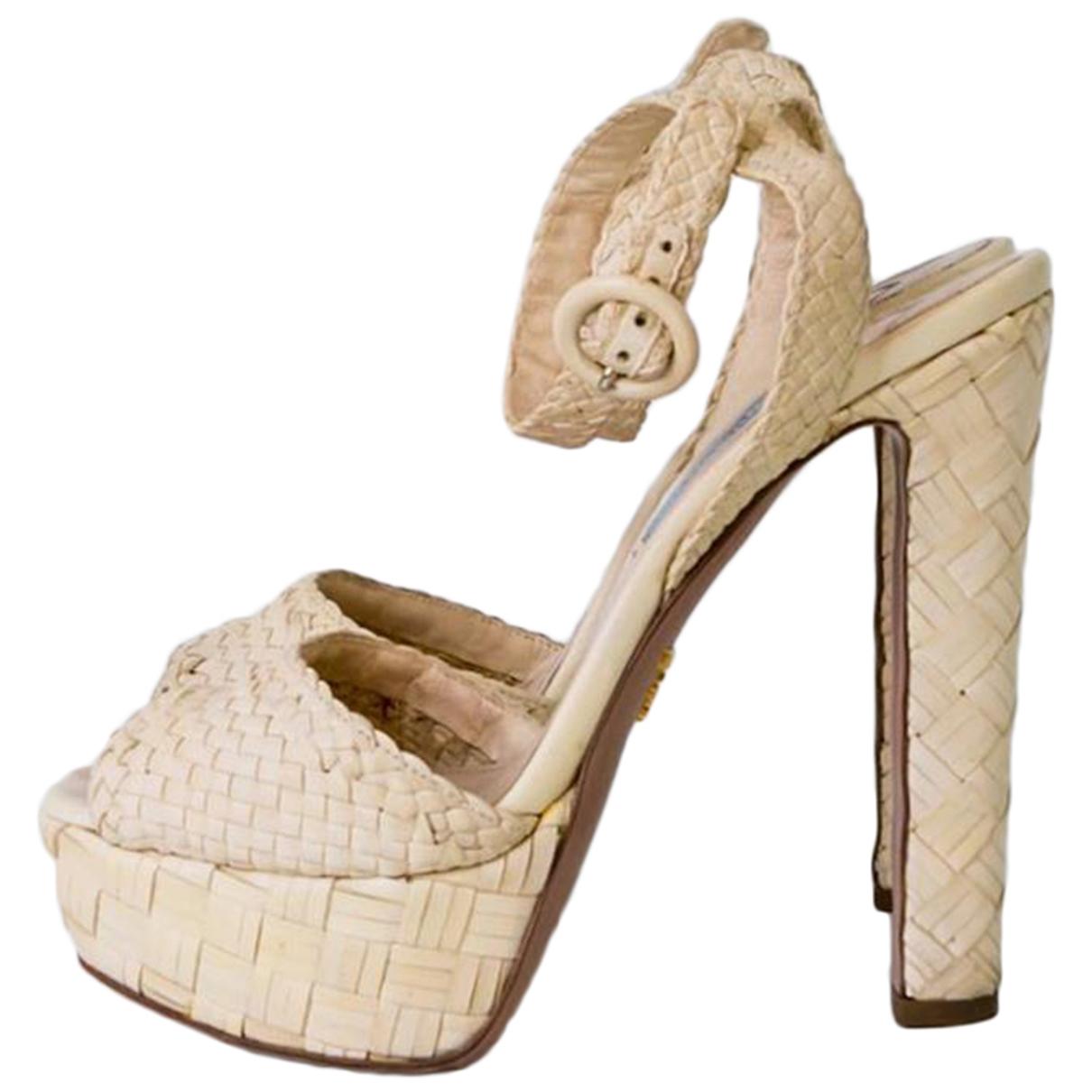 Prada \N Sandalen in  Beige Leder