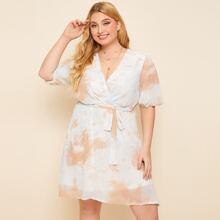 A-Linie Kleid mit Batik, Wickel Design und Guertel