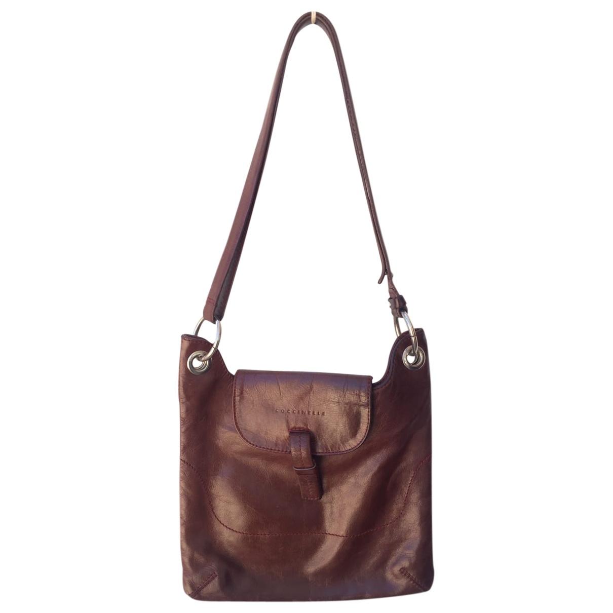 Coccinelle \N Camel Leather handbag for Women \N