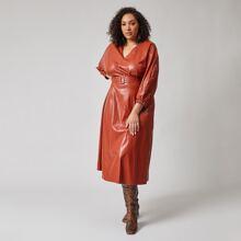 PU Kleid mit V-Kragen, Schnalle und Guertel
