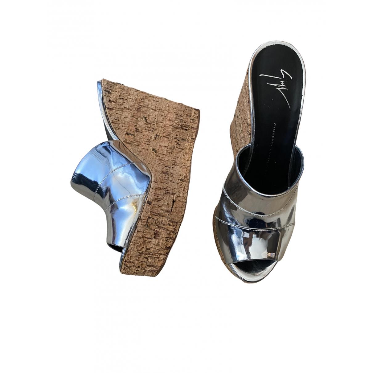 Giuseppe Zanotti \N Sandalen in  Silber Lackleder