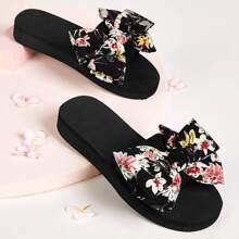 Flats mit Blumen Muster und Schleife Dekor