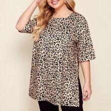 T-Shirt mit Leopard Muster und Schlitz