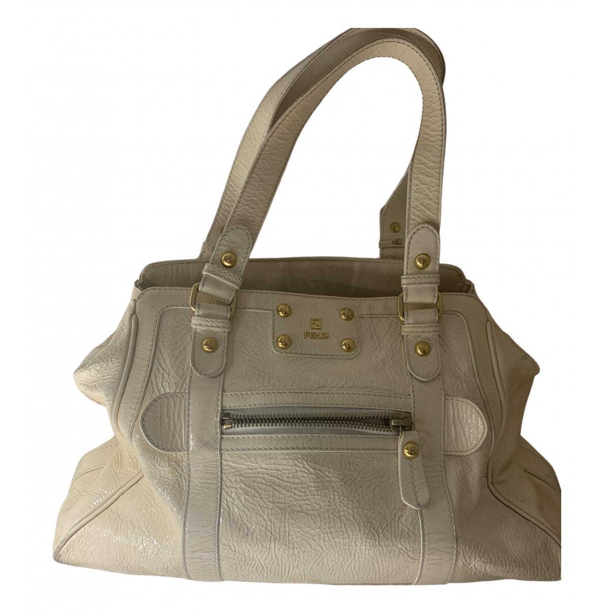 Fendi \N White Patent leather handbag for Women \N