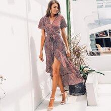 Asymmetrisches Kleid mit Punkte Muster und Tailleband