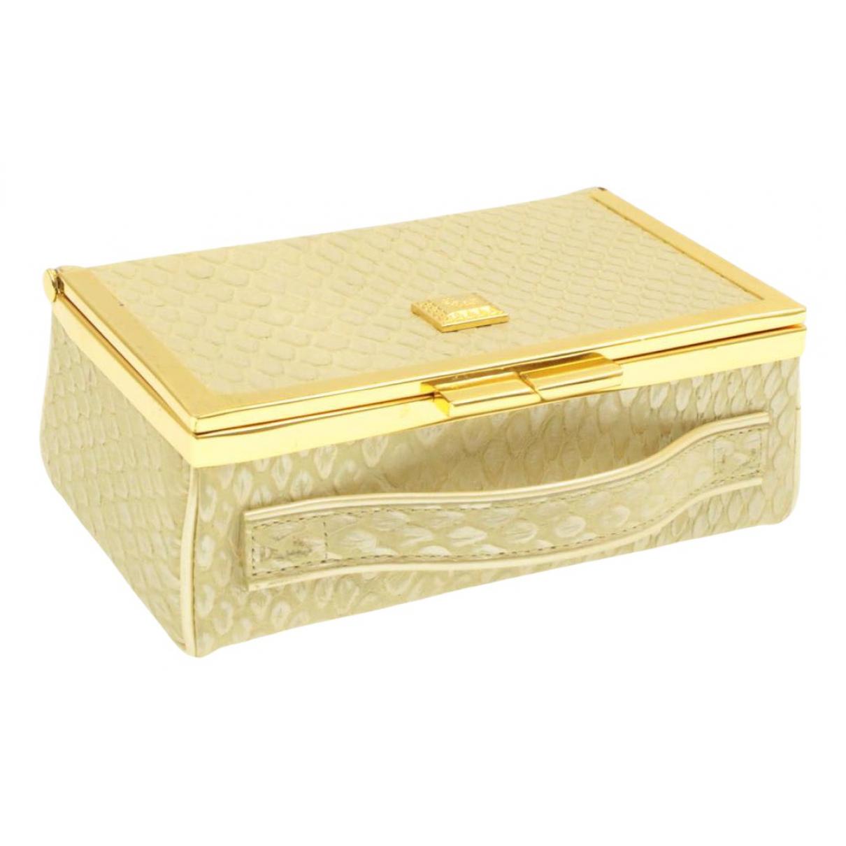 Pochette de Seda Versace