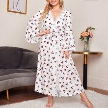 Kleid mit Kirsche Muster, Spitzenbesatz und Guertel