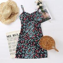 Cami Kleid mit Blumen Muster, Ruesche und Ausschnitt hinten