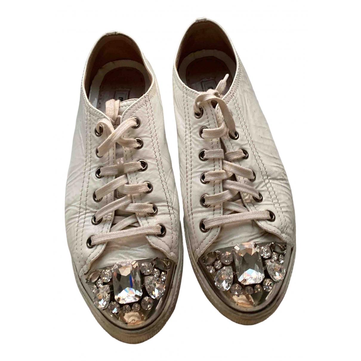 Miu Miu \N Sneakers in  Weiss Lackleder
