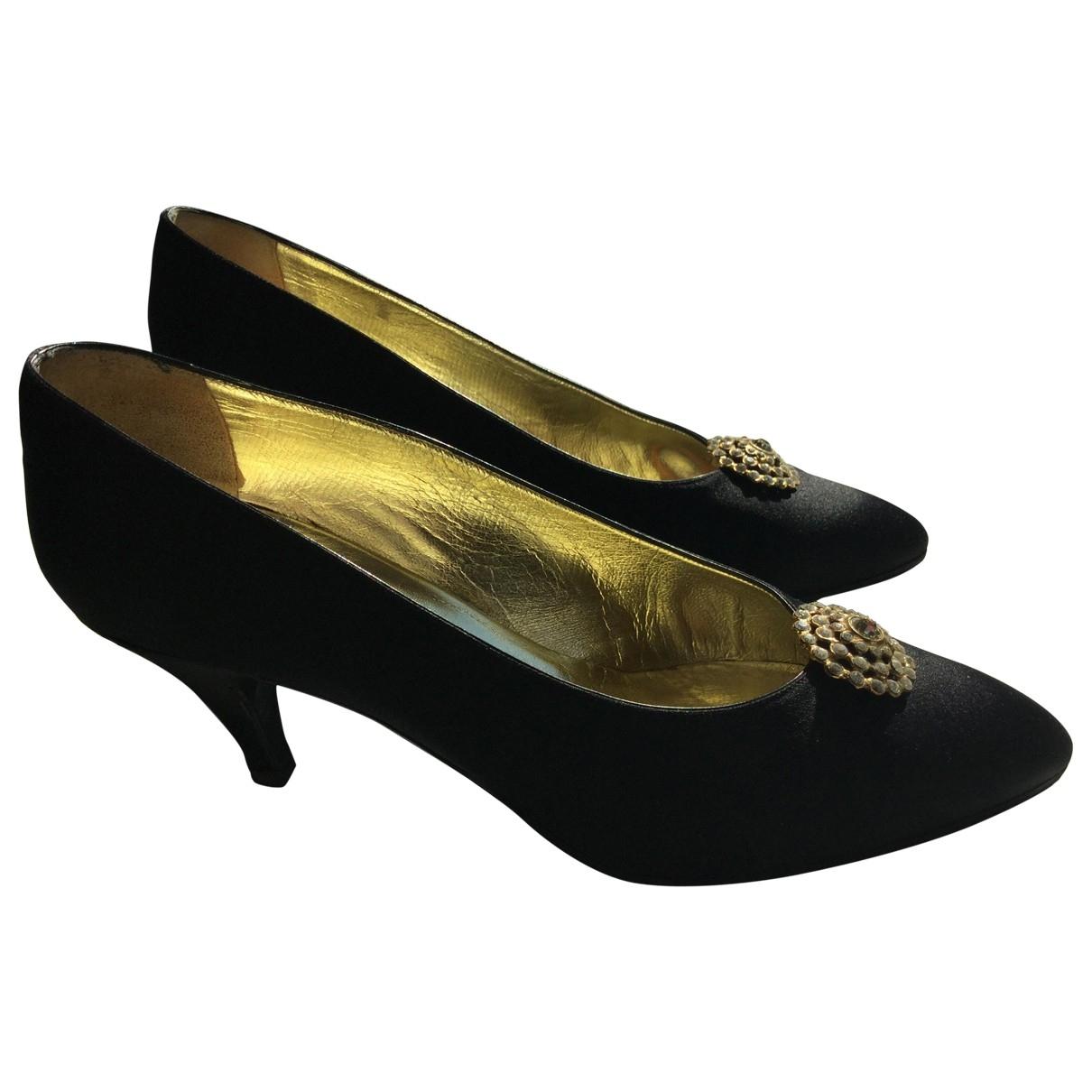 Chanel \N Black Cloth Heels for Women 38 IT
