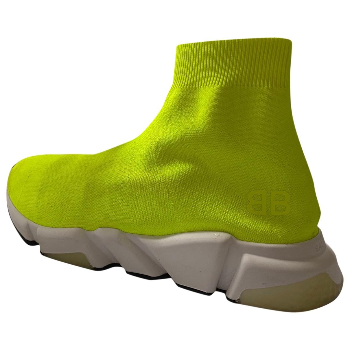 Balenciaga Speed Sneakers in  Gelb Leinen
