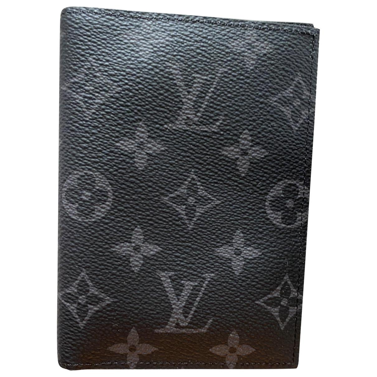 Louis Vuitton - Petite maroquinerie Passport cover pour homme en toile - gris