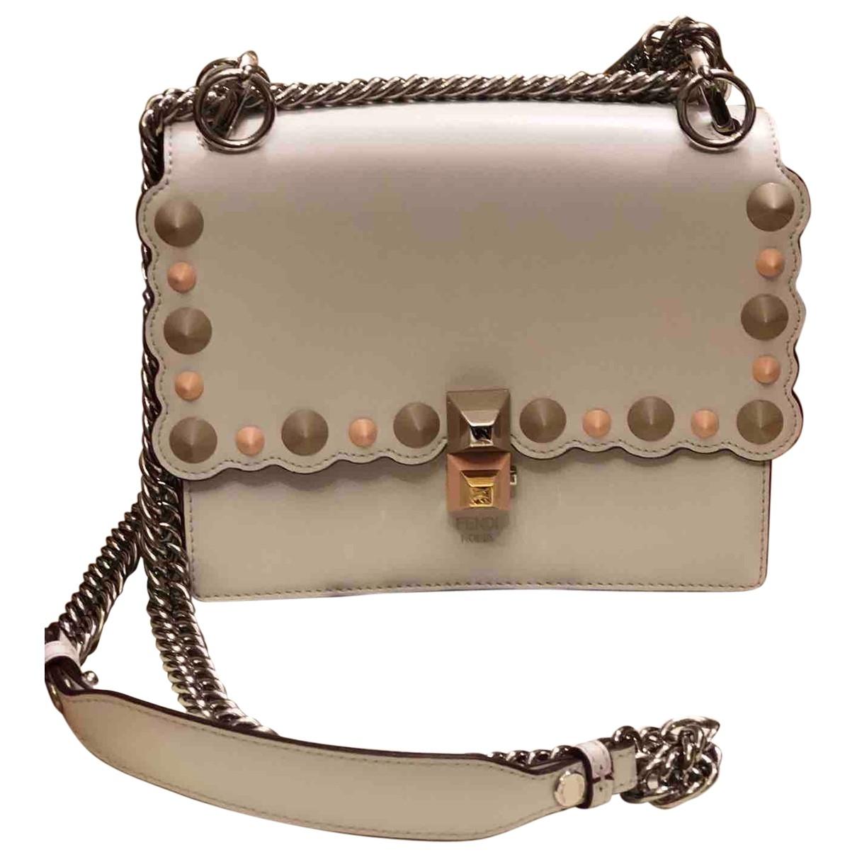 Fendi \N Handtasche in  Weiss Leder