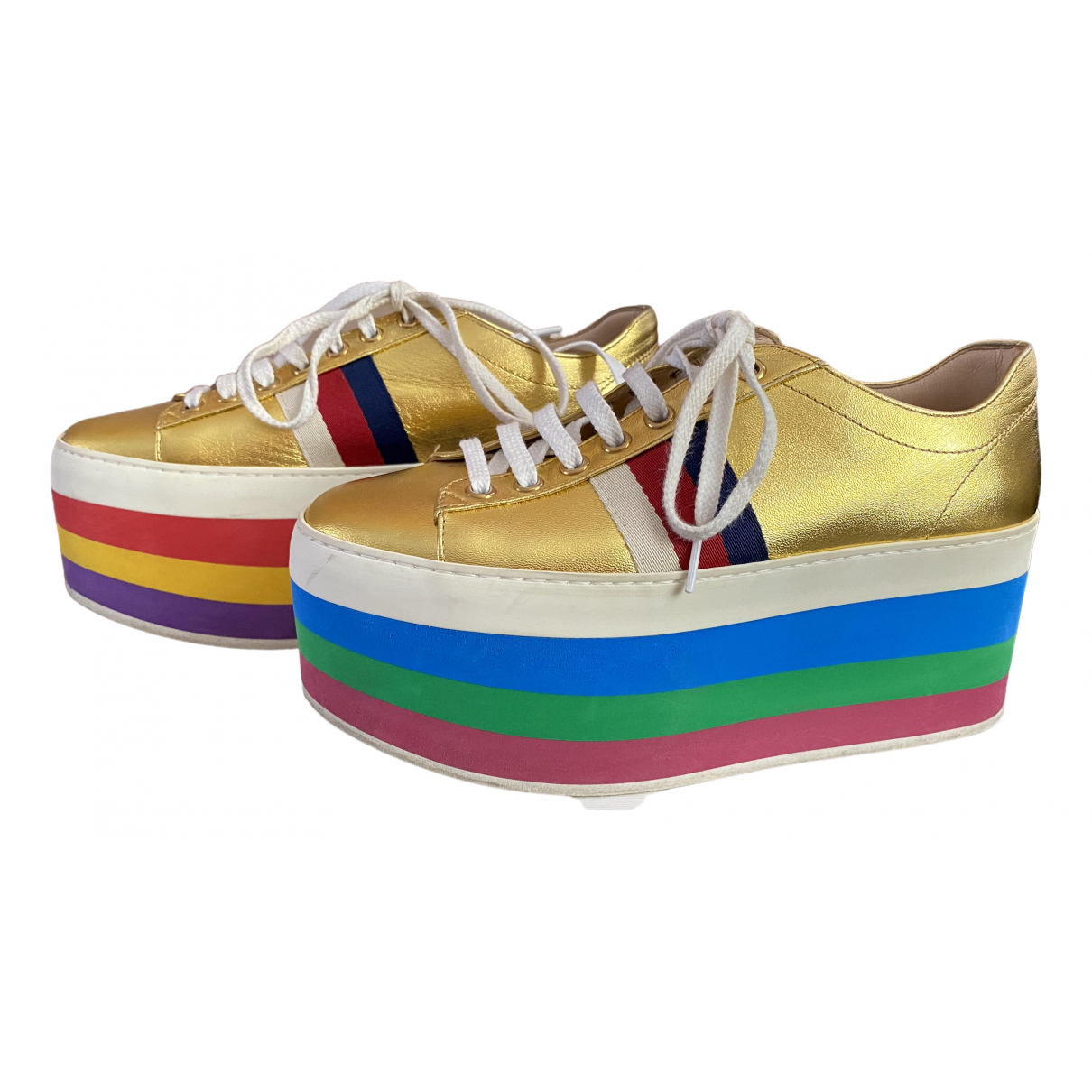 Gucci Ace Sneakers in  Gold Leder