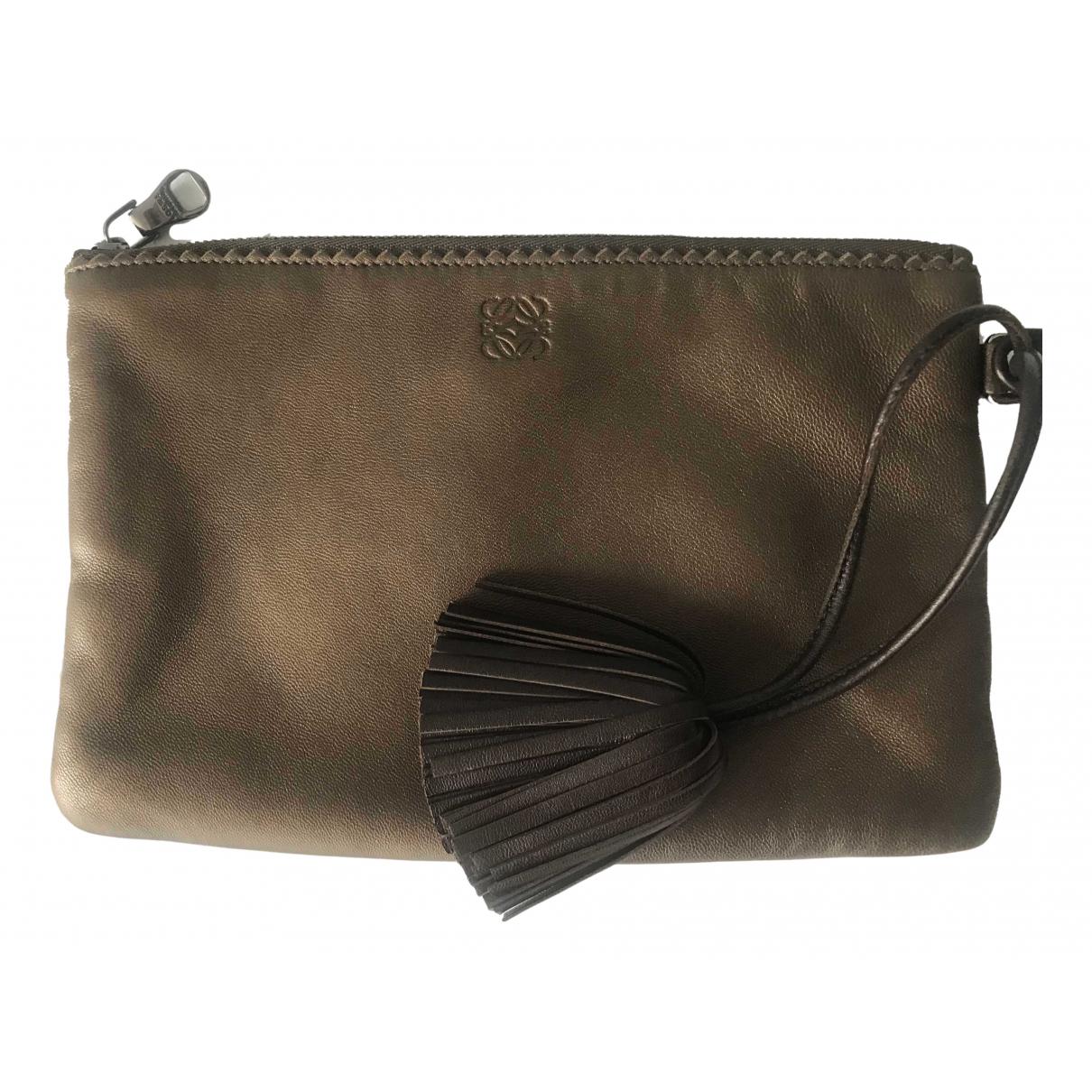 Loewe \N Khaki Leather Clutch bag for Women \N