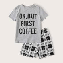 Conjunto de pijama de niños top con estampado de slogan con shorts de cuadros