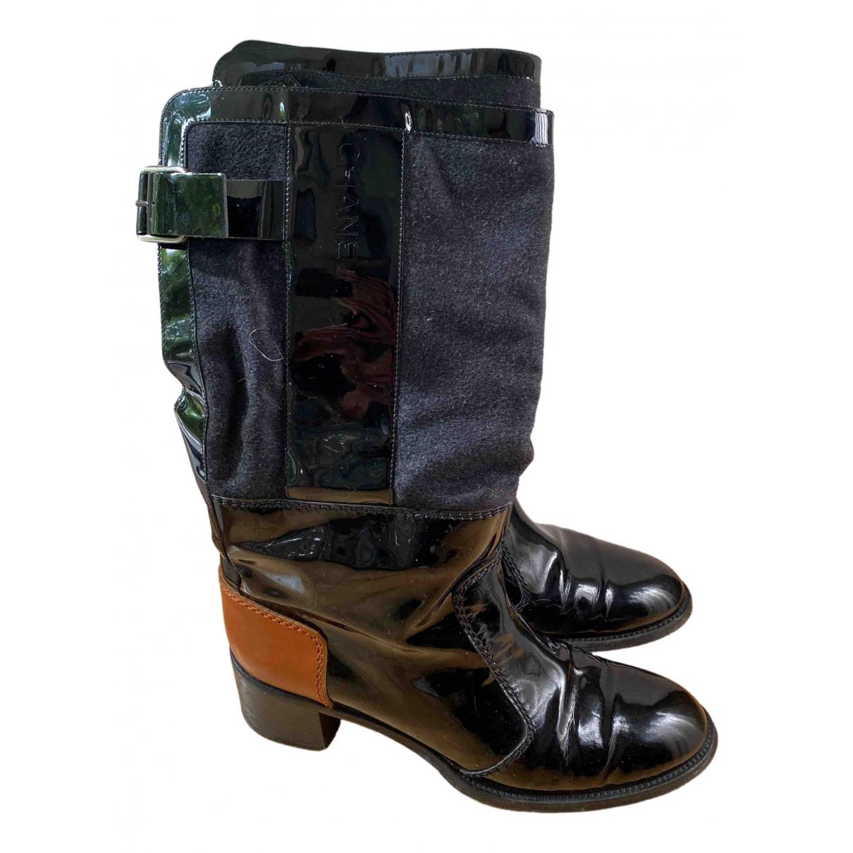 Chanel \N Stiefel in  Schwarz Lackleder