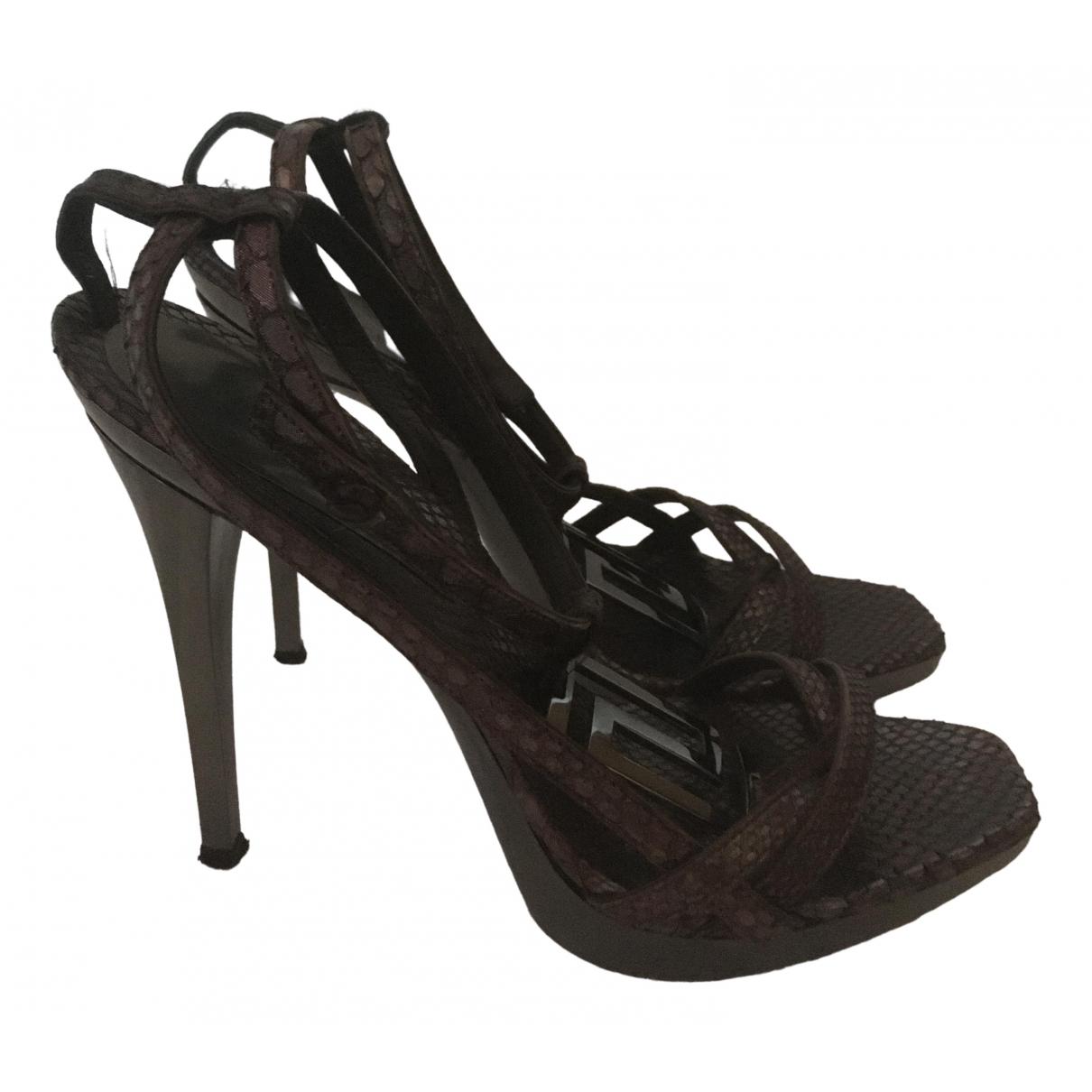 Sandalias de Cuero Versace