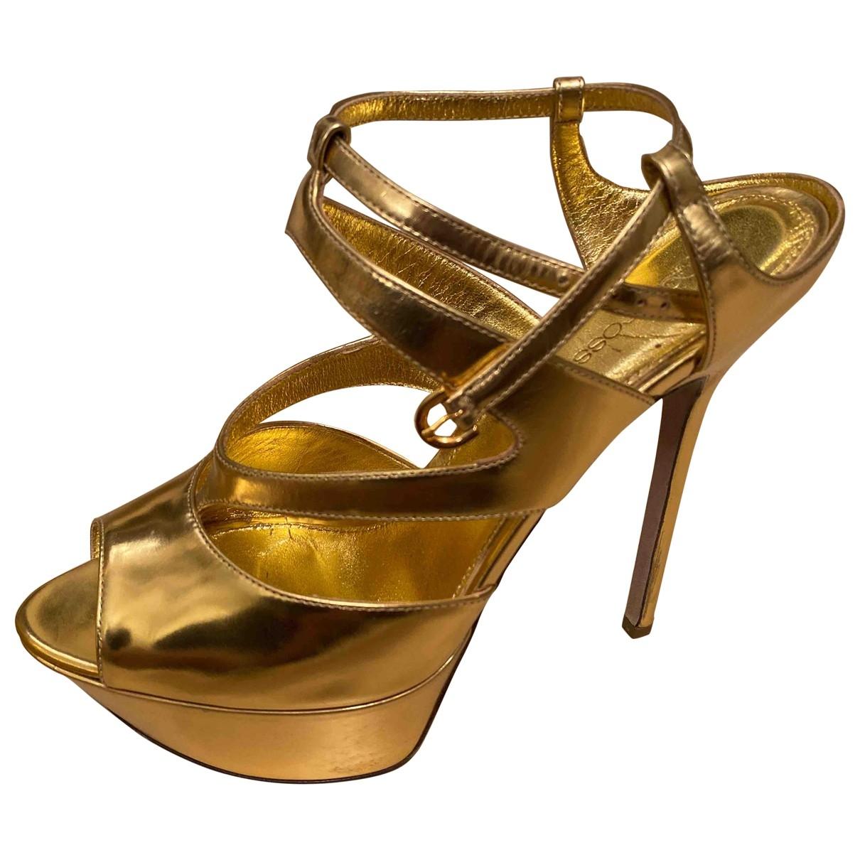 Sergio Rossi \N Sandalen in  Gold Leder