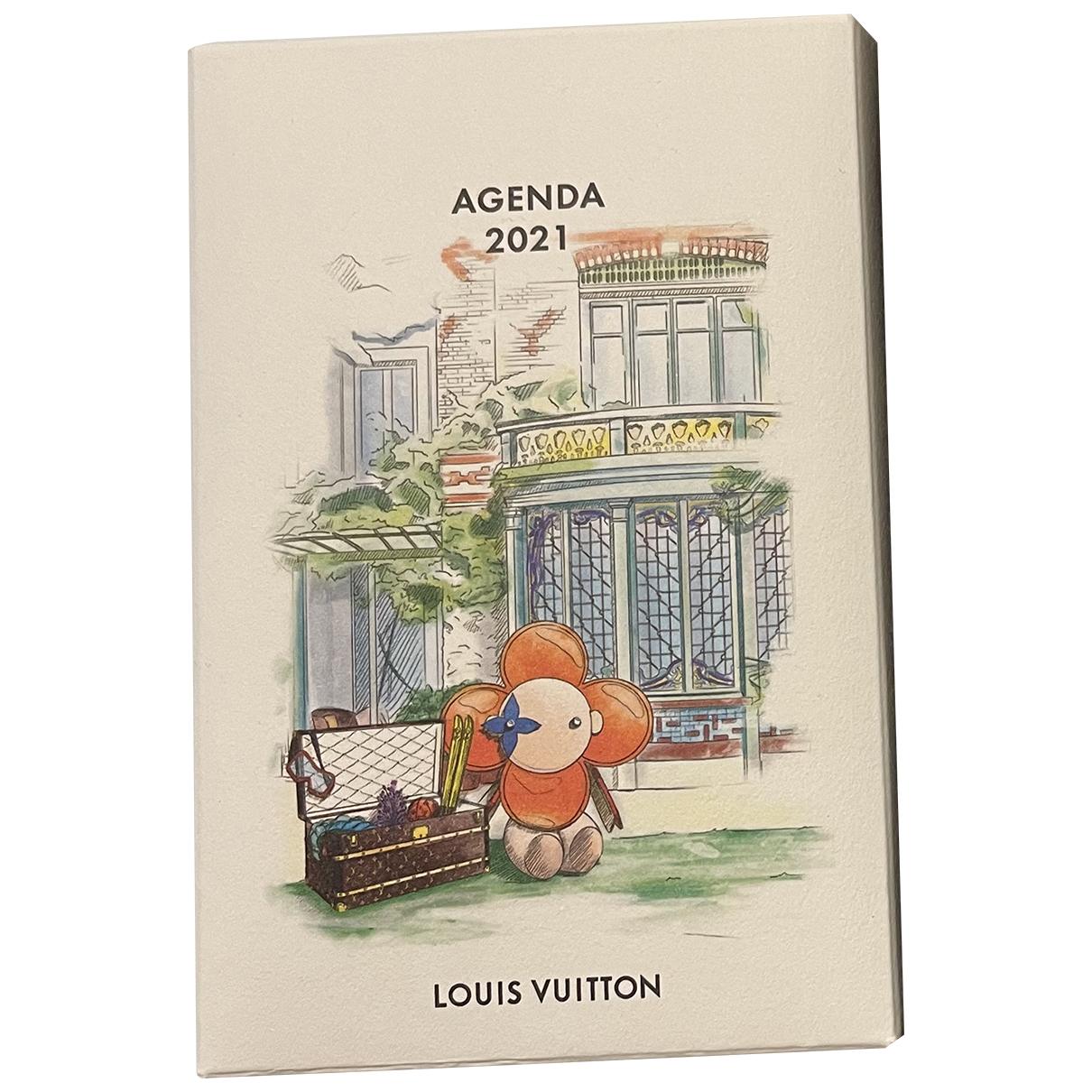 Objetos y Decoracion Louis Vuitton