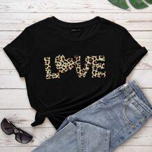 T-Shirt mit Leopard Muster und Buchstaben Grafik