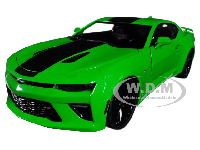2017 Chevrolet Camaro SS Green Limited Edition to 1002 pieces Worldwide 1/18 Diecast Model Car by Autoworld