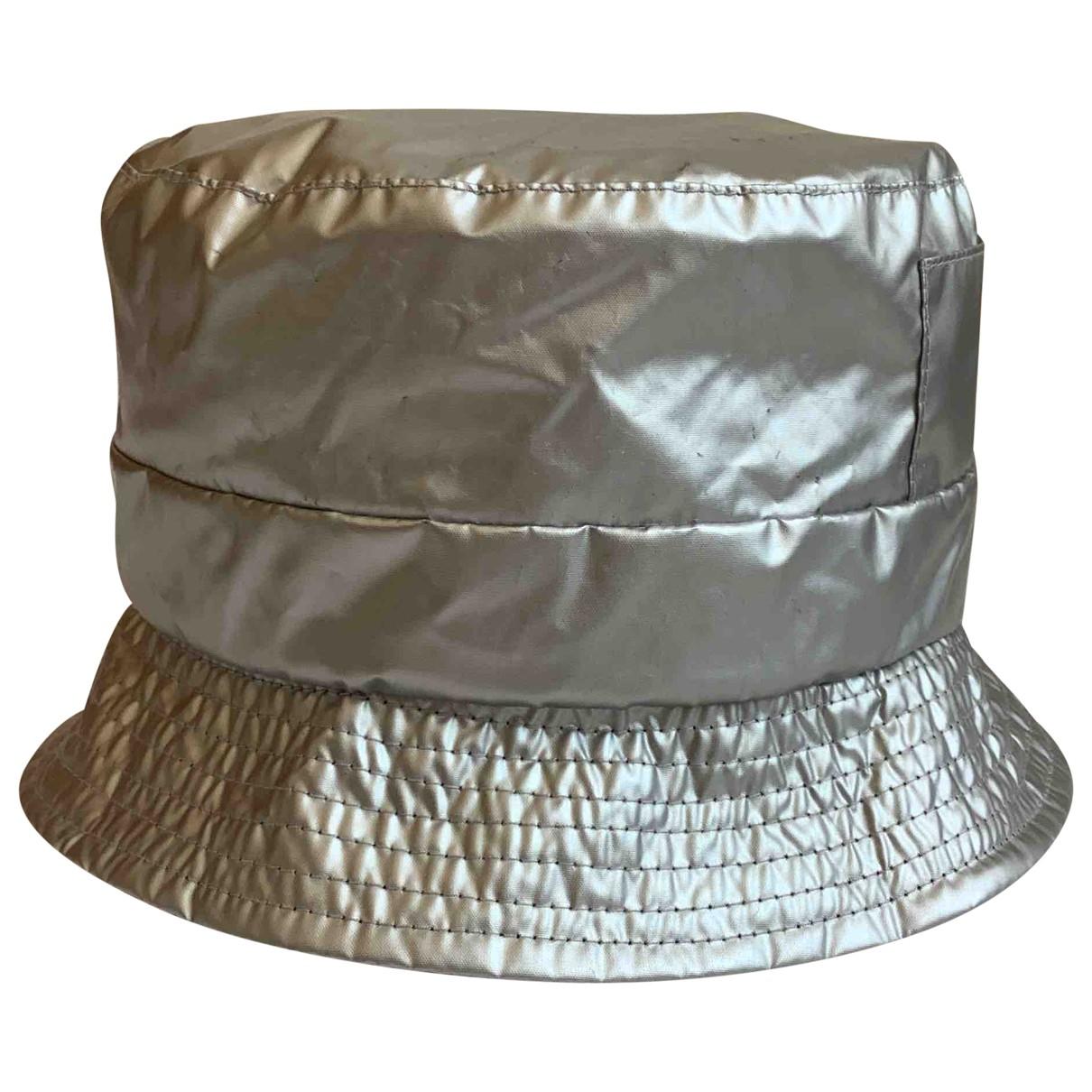 - Chapeau   pour femme - argente