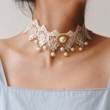 Halskette mit Kunstperlen Dekor