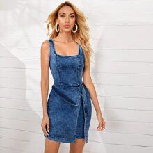 Denim Kleid mit quadratischem Kragen, Wickel Design und Guertel