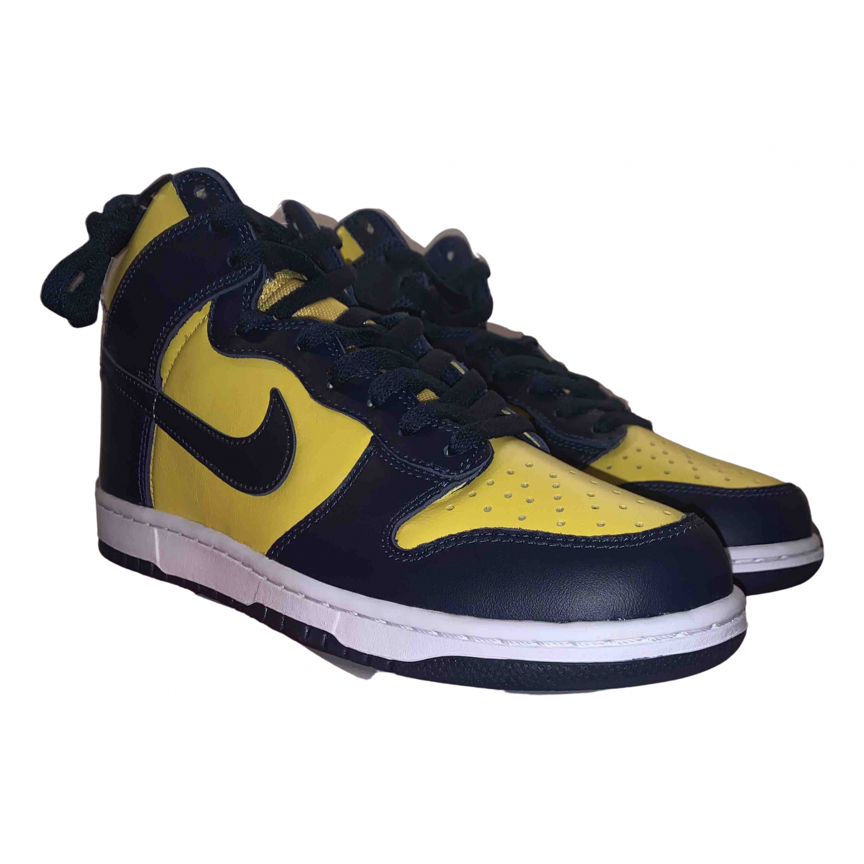 Deportivas SB Dunk  de Cuero Nike