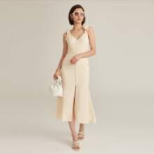 Jacquard Kleid mit Band auf Schulter, Knopfen vorn und Schlitz
