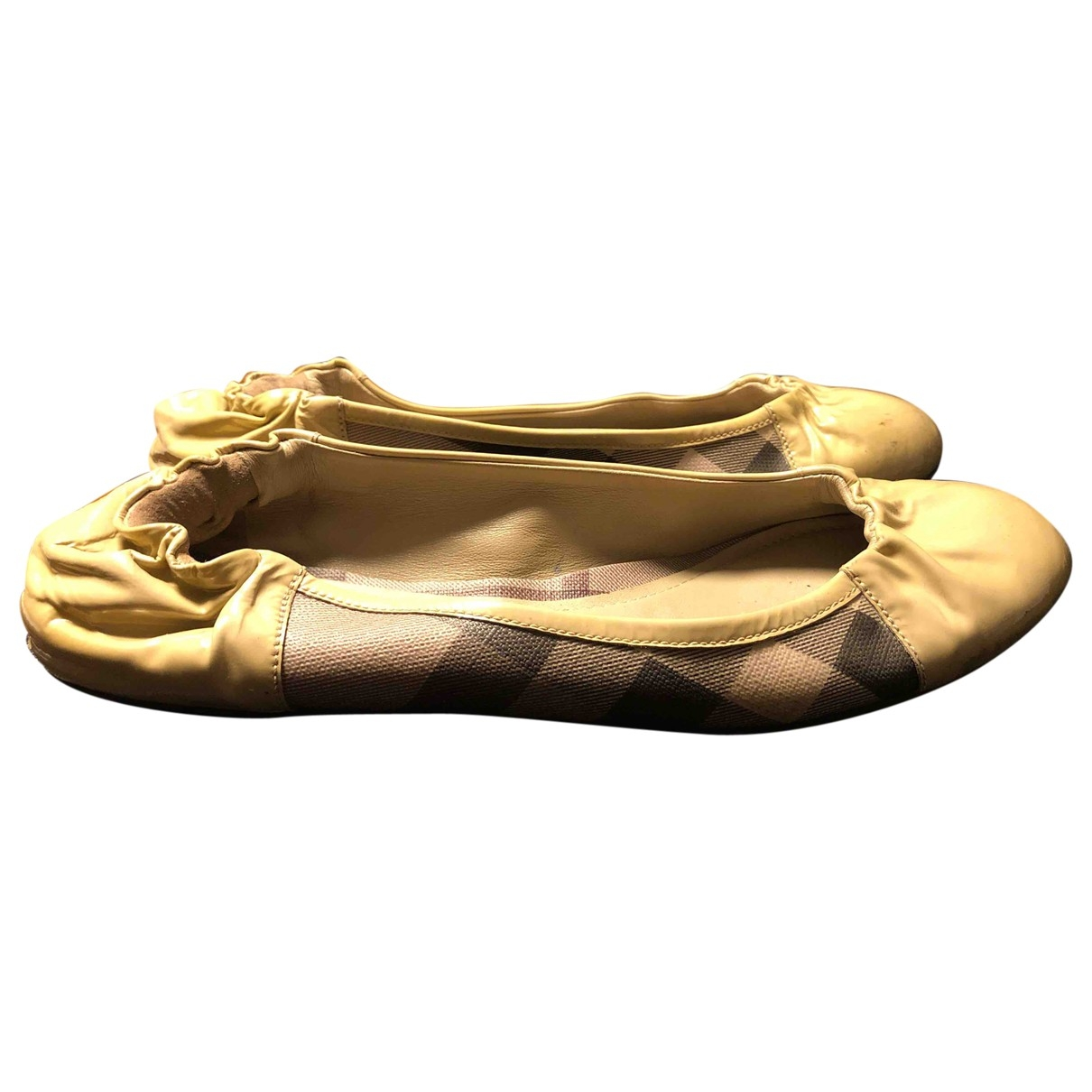 Burberry \N Ballerinas in  Beige Leinen